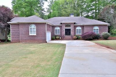 Roswell  Single Family Home For Sale: 145 Jade Cove Circle