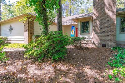 Marietta Single Family Home For Sale: 5222 Pikes Peak Court