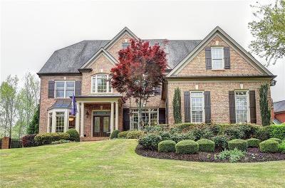 Suwanee Single Family Home For Sale: 7055 Laurel Oak Drive