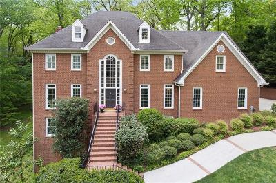 Sandy Springs Single Family Home For Sale: 20 Cliffside Crossing