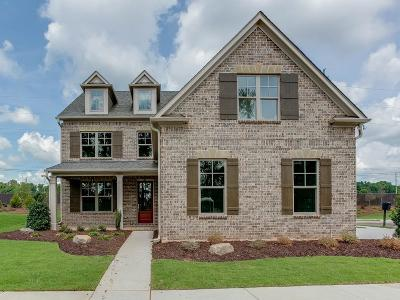 Johns Creek Single Family Home For Sale: 824 Langley Path