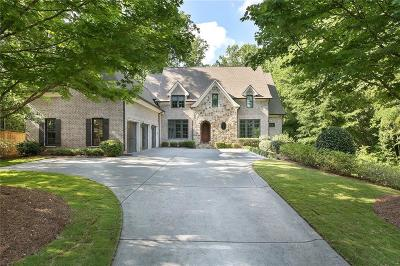 Sandy Springs Single Family Home For Sale: 394 Carriage Drive