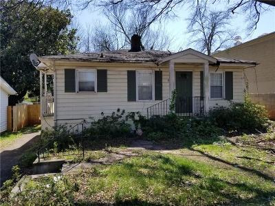 Single Family Home For Sale: 933 Moreland Drive SE