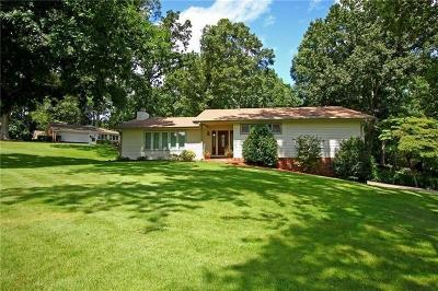 Kennesaw Single Family Home For Sale: 3709 Shiloh Trail W