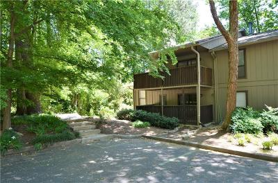 Smyrna Condo/Townhouse For Sale: 101 Cumberland Court SE