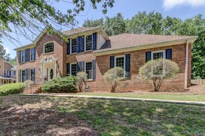 Roswell Single Family Home For Sale: 455 Saddle Creek Circle