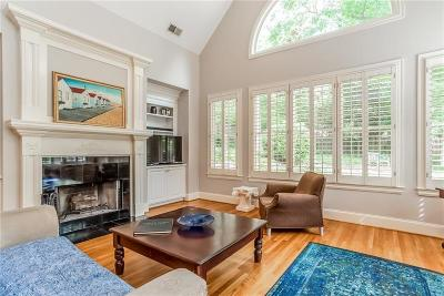 Sandy Springs Single Family Home For Sale: 727 Windsor Parkway