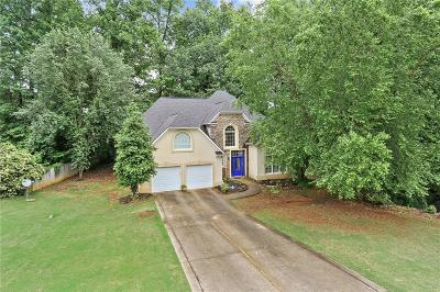 Roswell Single Family Home For Sale: 300 Tall Timbers Drive