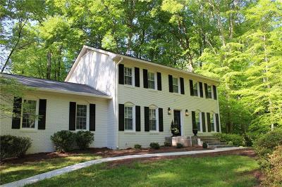 Alpharetta Single Family Home For Sale: 1335 Sherry Drive