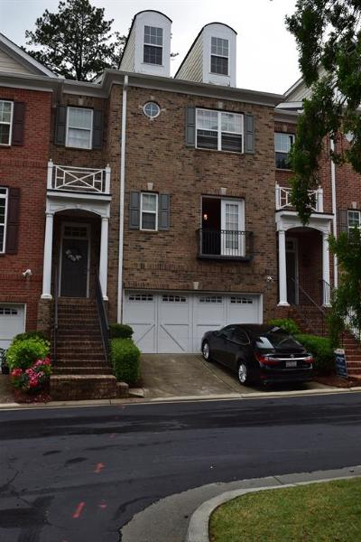 Alpharetta Condo/Townhouse For Sale: 12816 Doe Drive
