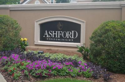 Dunwoody Condo/Townhouse For Sale: 215 Ashford Circle #215