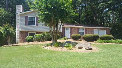 Roswell Single Family Home For Sale: 375 N Pond Trail