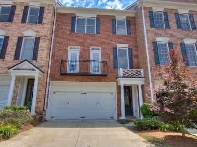 Roswell  Condo/Townhouse For Sale: 4207 Village Green Drive