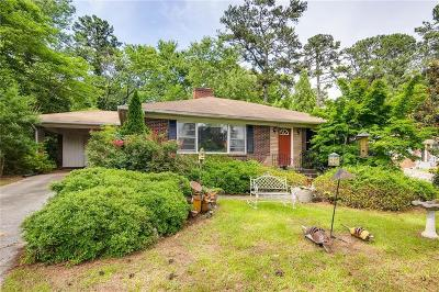 Sandy Springs Single Family Home For Sale: 390 Hilderbrand Drive