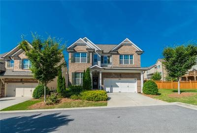 Sandy Springs Single Family Home For Sale: 7800 NE Highland Bluff NE