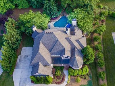 Marietta Single Family Home For Sale: 2685 Bolton Abbey Drive SW