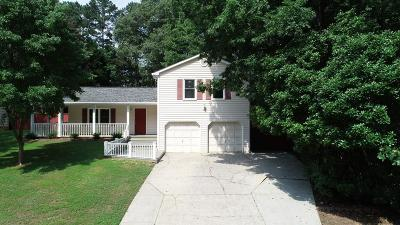 Roswell Single Family Home For Sale: 150 Sheringham Drive