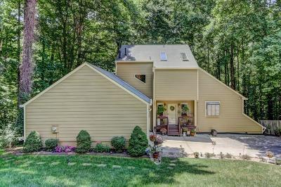 Marietta Single Family Home For Sale: 2481 Woodfern Court