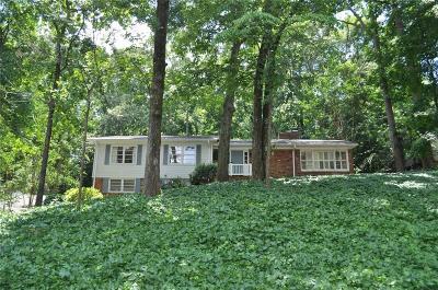 Atlanta Single Family Home For Sale: 735 E Northway Lane