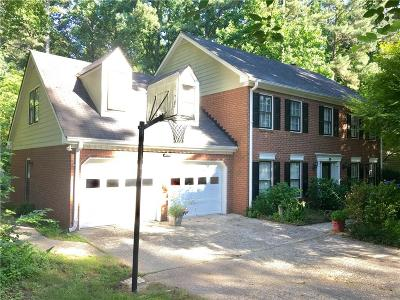 Marietta Single Family Home For Sale: 2243 Chimney Swift Circle