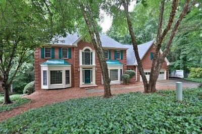 Roswell Single Family Home For Sale: 8580 Olde Pacer Pointe