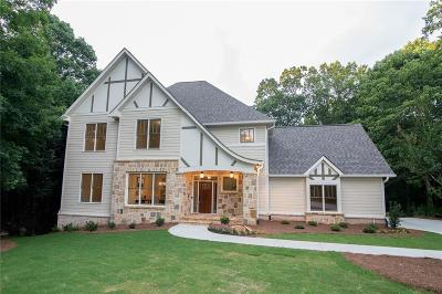 Milton  Single Family Home For Sale: 165 Highland Oaks Court