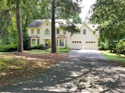 Woodstock Single Family Home For Sale: 405 Woodchase Way