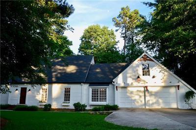 Sandy Springs Single Family Home For Sale: 5015 Spalding Drive NE