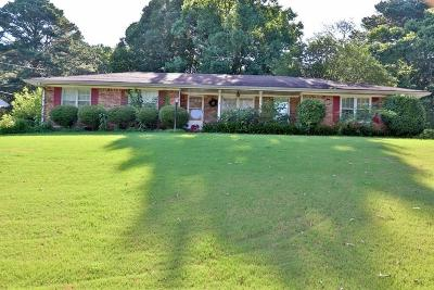 Norcross Single Family Home For Sale: 5922 Meadowbrook Drive
