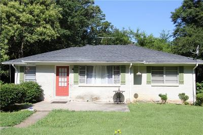 Single Family Home For Sale: 1517 Woodland Circle SE
