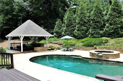 Sandy Springs Single Family Home For Sale: 500 Spalding Hills Court