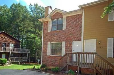 Marietta Multi Family Home For Sale: 2881 Lakemont Drive