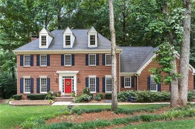 Alpharetta Single Family Home For Sale: 515 Farthingale Court