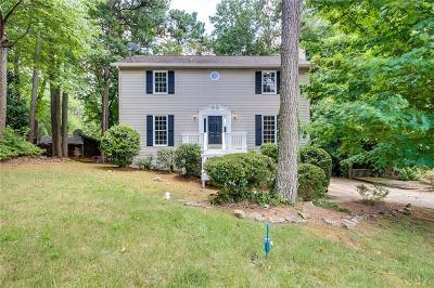 Marietta GA Single Family Home For Sale: $276,000