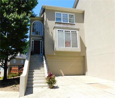 Smyrna Condo/Townhouse For Sale: 2524 Oakwood Way SE