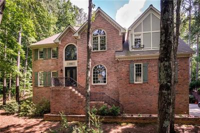 Roswell Single Family Home For Sale: 705 Old Park Place