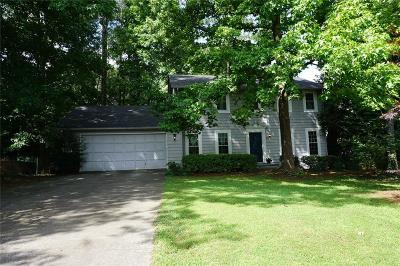 Roswell Single Family Home For Sale: 405 Ivy Mill Court