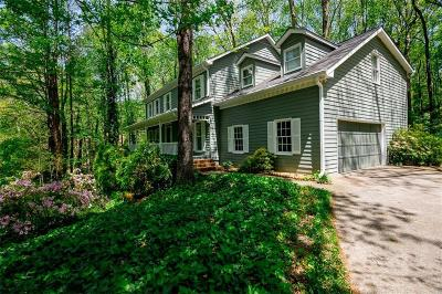 Roswell  Single Family Home For Sale: 275 Waverly Trace