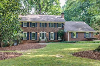 Dunwoody Single Family Home For Sale: 1682 Kellogg Springs Drive