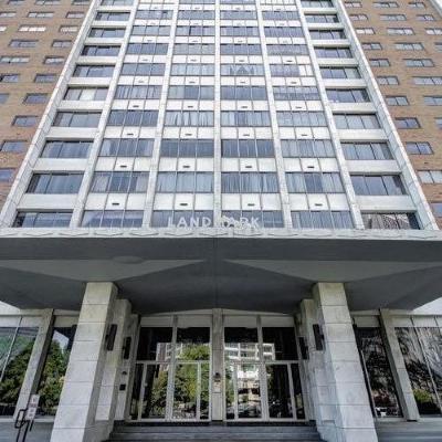 Condo/Townhouse For Sale: 215 Piedmont Avenue #2103