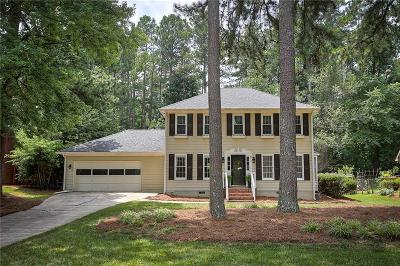 Roswell Single Family Home For Sale: 2725 Shadow Pine Drive