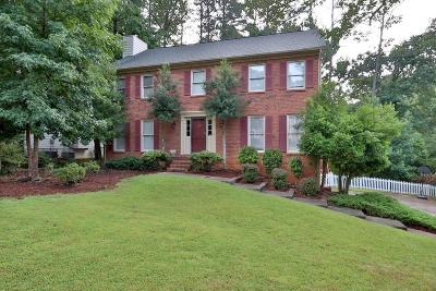 Marietta Single Family Home For Sale: 485 Guilford Circle