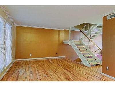 Atlanta GA Condo/Townhouse For Sale: $175,000