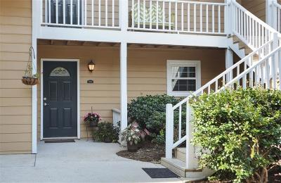 Marietta Condo/Townhouse For Sale: 4120 Riverlook Parkway SE #205