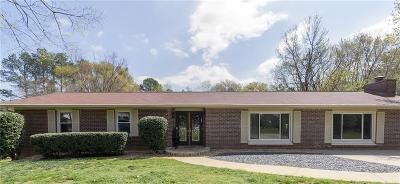 Roswell Single Family Home For Sale: 310 Crossville Court