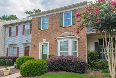 Alpharetta GA Condo/Townhouse For Sale: $215,000