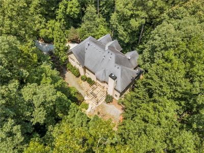 Roswell Single Family Home For Sale: 670 Abbeywood Drive