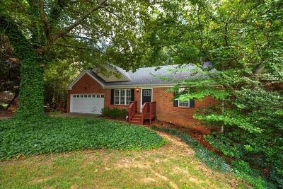 Alpharetta  Single Family Home For Sale: 170 Preston Oaks Drive