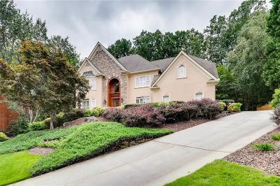 Alpharetta Single Family Home For Sale: 3825 Redcoat Way