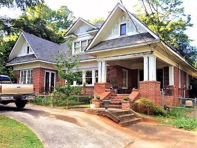Atlanta Single Family Home For Sale: 2386 Alston Drive SE